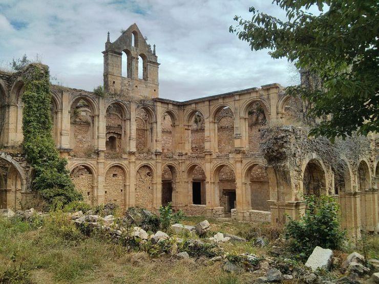 Monasterio_de_Rioseco_(Valle_de_Manzanedo)_(1)